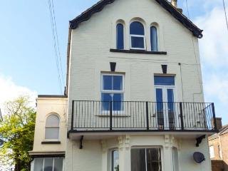 SEAGULL'S REST, apartment over two floors, balcony, off road parking, in Ramsgate, Ref 924295
