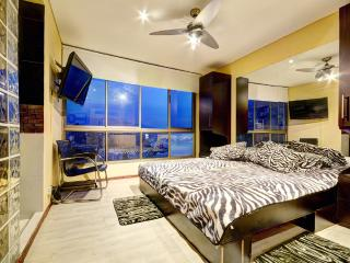 MODERN AND LUXURIOUS 4 BEDROOM PENTHOUSE IN POBLAD, Medellin
