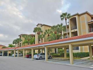 This first floor condo is the ideal setting for a relaxing and unforgettable getaway., Estero