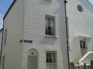 Charming Seaside Cottage, Whitstable