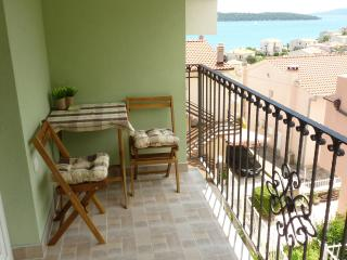 Charming studio apartment with a beautiful gallery, Donji Seget