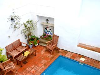 Enchanting villa in Albuñuelas, Andalusia, with private pool, rooftop terrace & WiFi – near Granada
