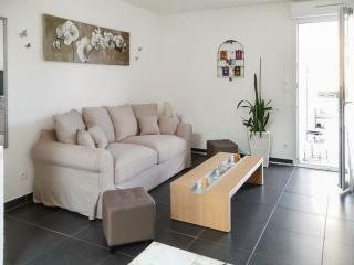 Gîte Les Bambous – unique apartment in Biesheim, Alsace, with balcony & WiFi – 5min from Germany!