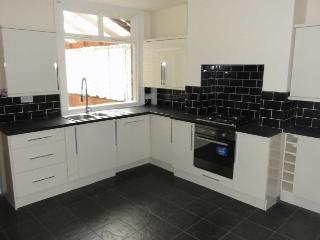 Spacious and convenient Leics cottage/mews, Burbage