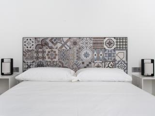 BRAND NEW APARTMENT WITH TERRAZE IN THE CENTER, Sevilla