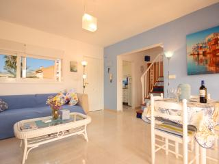 AZULITA, FRESH DECORATED APARTMENT WITH POOL, L'Alfas del Pi
