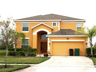 Luxury 5 bed Villa-Pool & Spa - 4 miles to Disney, Kissimmee