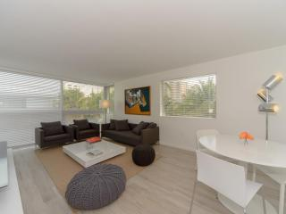 Modern 2 Bedroom Apartment in Key Biscayne, Miami