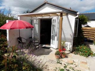 CABAT Log Cabin in Marazion, St Hilary