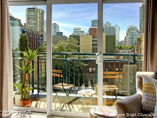 1 Bedroom Bright Cityscape Oasis, Seattle