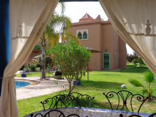 House villa, in exclusive,garden with private pool, without vis-à-vis, Marrakech
