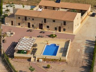 Manor in Don Ciro (ENTIRE HOUSE RENTAL), Alicante