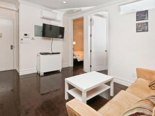 Charming Private 2 BR in Times Sq - W 36 - Best Location in NYC, Weehawken