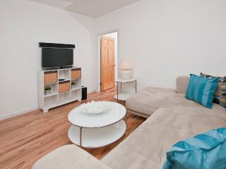 Charming newly renovated 2BR in East Harlem, Maryknoll