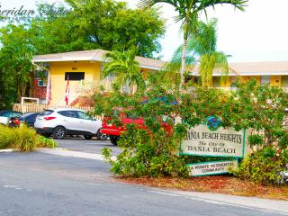 2BR SUITE/CONDO(102)*****FALL SPECIAL*****, Dania Beach