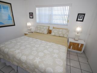 1BR SUITE-CONDO (208)*****FALL SPECIAL****, Dania Beach