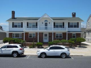 Jersey Shore Ocean Front Family Home, Seaside Park