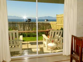 The Flying Penguin - Self Catering Room, Simon's Town