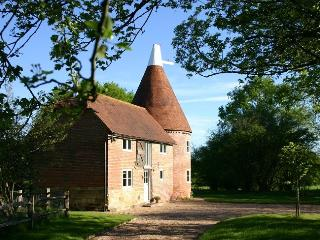 Bakers Farm Oast, Flimwell