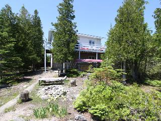 Jackson's Point cottage (#739), Tobermory