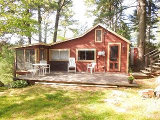 CROW`S NEST | PHIPPSBURG | WATERFRONT | STUNNING VIEWS | DOCK AND FLOAT | QUIET RETREAT, Boothbay