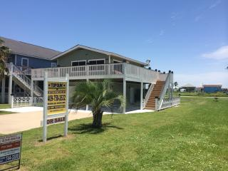 MARGARITAVILLE GREAT BEACH HOUSE FOR RENT!, Crystal Beach