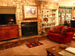 Claim Jumper Townhouse #10 - In Town, Ski In/ Ski Out, On the River, Next to Fishing Ponds, WiFi, Washer/Dryer, Red River