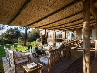 Villa Al Laghetto - Luxury eco-friendly estate, San Pantaleo