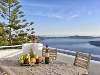 Santorini Chic - luxury penthouse apartment rental, Firostefani