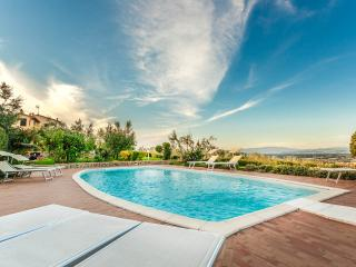 Villa Torricella panoramic swimming pool Tuscany, Monte San Savino