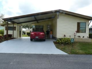 Welcome To This Lovely 2 Bd/2 Bth, Near Siesta Key, Sarasota