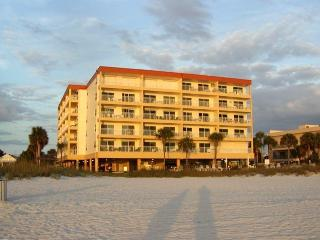 Madeira Beach. Top Floor,  Across from Johns Pass