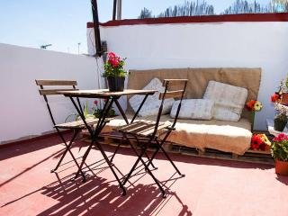 [73] Cute and small apartment with private terrace, Sevilla