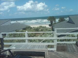 Oceanfront Villa in Quaint New Symrna Beach!, New Smyrna Beach