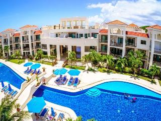 Exquisite 2 Beds Penthouse steps to the Beach!, Playa del Carmen