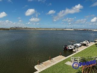 Waterfront Condo with a great view of the Laguna Madre!, Corpus Christi