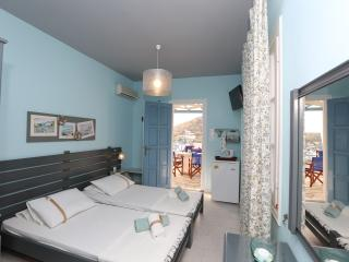 Kini Bay Twin Room with Veranda & Sea View No5