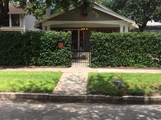 Private Guesthouse - Prime Location, Houston