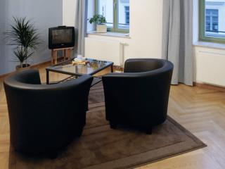 Vacation Apartment in Dresden - 388 sqft, quiet, central, comfortable (# 8801)