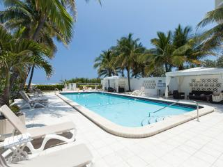 Beachfront Condo-Hotel Studio at Mimosa Hotel & Sp, Miami Beach