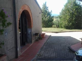30 mq. studio in the heart of  wine etruscan road, Bibbona