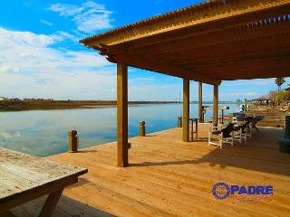 Enjoy great Fishing off the dock while being just steps off the Beach!, Corpus Christi