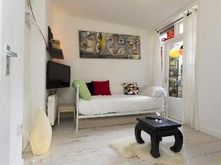 10 minutes / 2 Km from Anne Frank house & Canals, Amsterdam