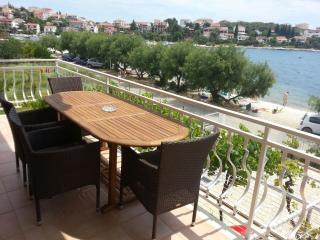BEACHFRONT APARTMENT 3 BEDROOMS, 3 BATHROOMS,, Trogir