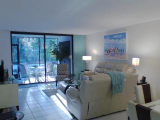 Private remodeled condo in serene setting, Longboat Key