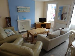 2 Bed Flat in the centre of Falmouth, with parking