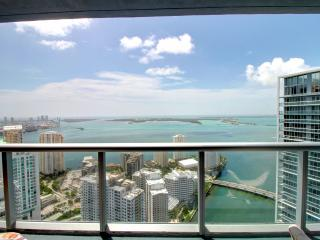 MAGNIFICENT BRICKELL HIGHEST WATER VIEW 3BD/2B, Miami