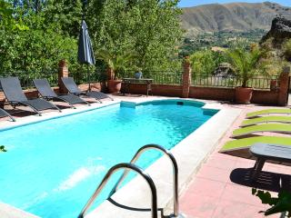 Villa 10 min to Alhambra and 30 min to ski resort, Monachil