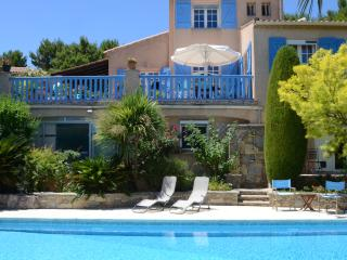 4 Paws stunning - last minute availability, Roujan