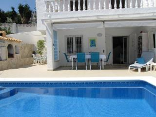 Seaside Villa & Private Heated pool 200m.to Sea, Peniscola